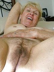 donne anziane con la figa pelosa
