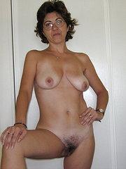 foto amatoriali donne nude con figa pelosa