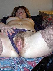 lesbica lecca figa pelosa