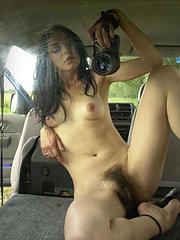 la mia ragazza squirta quando io scopo la sua figa pelosa